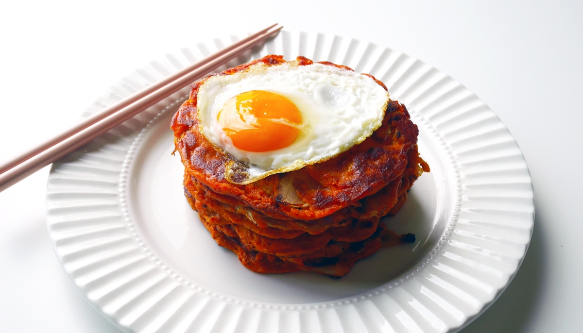 Hangover breakfast – Kimchi and barley flour pancakes